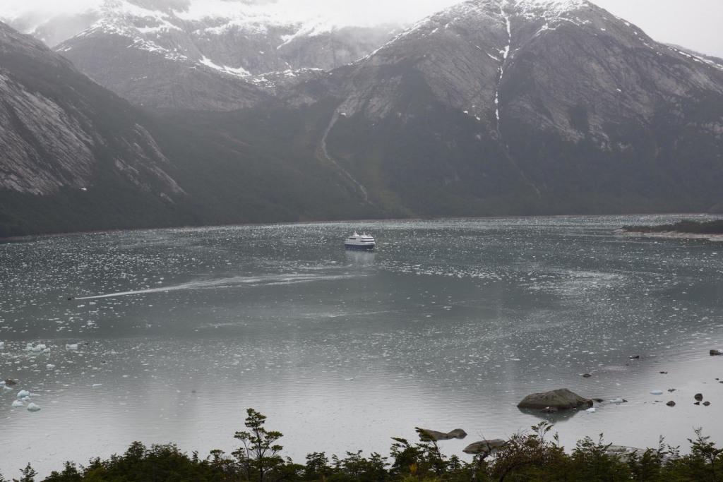 Totalidad del barco en el hielo